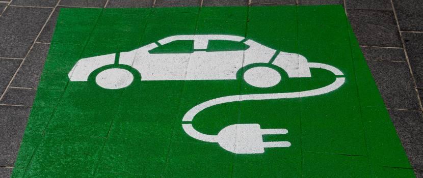 parqueadero para carro eléctrico